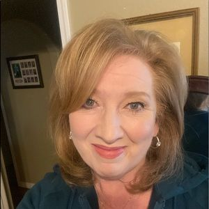 Meet your Posher, Sharon